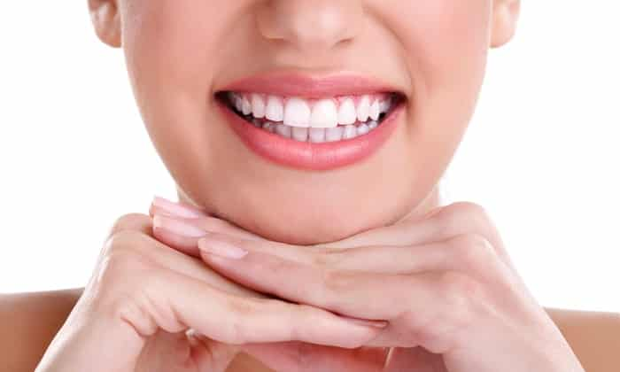 5 Rules For Whitening Your Teeth At Home