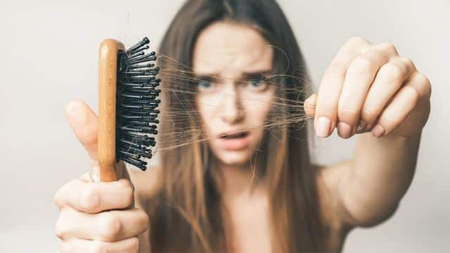 6 Super Natural Home Remedies To Combat Hair Loss!