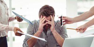 Déclencheurs courants du stress &quot;width =&quot; 300 &quot;height =&quot; 150 &quot;data-jpibfi-description =&quot; &quot;data-jpibfi-post-excerpt =&quot; &quot; data-jpibfi-post-url = &quot;https://www.livealittlelonger.com/top-4-common-triggers-of-stress/&quot; data-jpibfi-post-title = &quot;Les 4 principaux déclencheurs communs du stress et comment Neutralisez-les! &quot;Data-jpibfi-src =&quot; https://www.livealittlelonger.com/wp-content/uploads/2018/05/Common-Triggers-of-Stress1-300x150.jpg &quot;/&gt; </p> <p> [19459003Lalibertéfinancièreestunfacteurdestressmoinsimportant:lespersonnesàrevenuplusélevéonttendanceàdéclarermoinsdestressquelespersonnesàfaiblerevenusonttoujoursmincesunlessvousêtesdéjànédanslarichesseParconséquentilestimportantdetrouverdesstratégiespourfairefaceàdesdemandestellesquelabudgétisationserréeCommetoujourslesoutienémotionnelestlesoulagementnuméroundustressalorsparlezàvosamisàvosprochesouàunprofessionnelsivousavezbesoind&#39;aide</p> <h3> <strong> 2. Le temps est le maître </strong> </h3> <p> Beaucoup de gens s&#39;inquiètent du temps ou plus précisément, ne pas en avoir assez. Si vous vous trouvez dans un état de quasi-panique en raison d&#39;un manque de temps <em> ou si vous ne parvenez pas à accomplir certaines tâches dans les délais impartis, cela causera presque toujours du stress. </p> <p> Ce n&#39;est pas toujours facile de gagner la bataille pour le temps. Il semble que le monde dans lequel nous vivons soit trop occupé et que nous soyons pris dans la voie rapide. Ralentissez et prenez le temps de réfléchir et de vous détendre. Profitez d&#39;un massage de temps en temps ou faire une promenade dans la nature. En ce qui concerne les tâches, travaillez sur vos compétences en gestion du temps en <a href=
