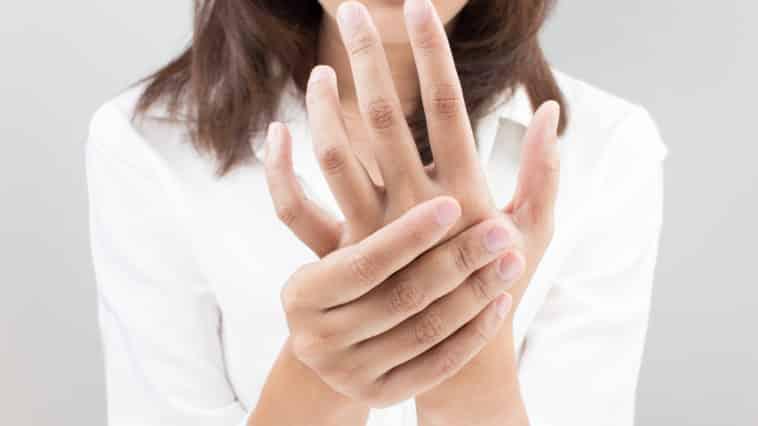 swollen hands