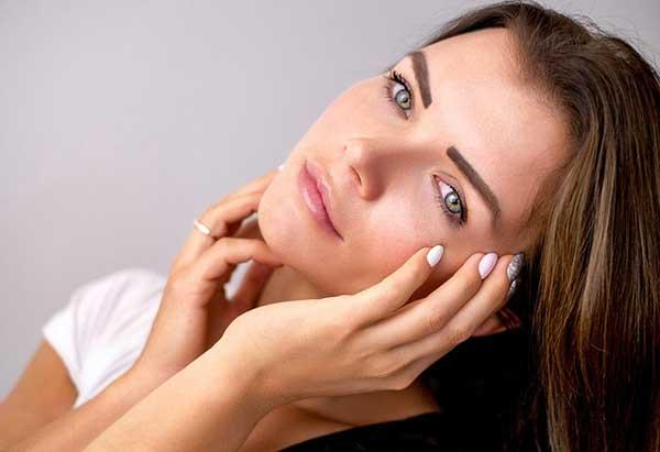 beneficios para la salud crema de sarro &quot;width =&quot; 600 &quot;height =&quot; 411 &quot;/&gt;</p><p> <strong></strong> La crema de tártaro es de naturaleza ácida. Esta acidez le da la fuerza para lidiar con varios problemas de relación con la piel como el acné. Los beneficios de la crema de sarro incluyen tu piel también. Se ha observado que consumirlo por vía oral es mejor que aplicarlo en el área afectada. Conviértalo en parte de su rutina diaria para combatir los problemas similares al acné y consumirlo por vía oral.</p><p>Para incluirlo en tu rutina diaria, todo lo que necesitas hacer es tomar un vaso de jugo de naranja o agua y agregar 1 cda. de crema de tártaro. Tome esta bebida diariamente durante 30 días para liberar de su cuerpo todas las toxinas y bacterias dañinas que son responsables de la piel propensa al acné.</p><h3> <strong>7. Desintoxica las infecciones bacterianas</strong></h3><p><strong></strong> Las infecciones bacterianas son una de las peores cosas que pueden crear un desequilibrio en tu cuerpo y causar muchos problemas a partir de la inflamación, la hinchazón, la fiebre y ¡lo que no! La crema de sarro puede ayudarlo a recuperar la alcalinidad de su cuerpo, lo que podría haber sido la causa potencial de todos los problemas mencionados anteriormente.</p><p>Lo que debes hacer: Mezcla ½ cucharada. de crema de tártaro con ½ taza de agua tibia y bébelo todos los días para aliviar las infecciones.</p><h3> <strong>8.Cream Of Tartar In Cooking</strong></h3><p><strong></strong> La crema de tártaro se usa principalmente para cocinar y hornear. Hemos ideado algunas de las áreas útiles donde la crema de tártaro se ha usado con frecuencia.</p><ul><li>¿Sabes que, rociar una pequeña cantidad de crema de Tartar sobre las verduras frescas antes de cocinarlas puede mantener su olor natural incluso después de cocinarlas?</li><li>Agregando 1/8 cdas. A 1 clara de huevo se le puede agregar volumen.</li><li>Sólo una pizca de crema de Tártaro cuando se agrega a